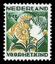 NVPH 250 Kinderzegels 1932 - jongen met zonnebloem