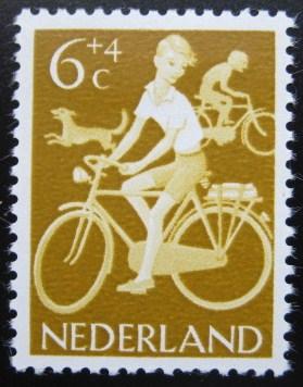 1962_fietsende_kinderen