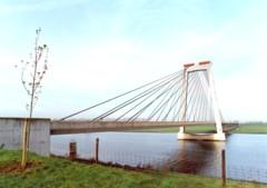 Brug o-d Bergse Maas bij Heusden